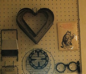 Julia's Cat Magnet, At Right